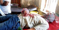 পিরোজপুরে দিনে দুপুরে এএসআইকে কুপিয়ে জখম করল মামলার আসামি