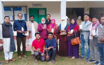 বেতাগী সাইন্স ক্লাবে পৌরসভার নবনির্বাচিত মেয়র ও কাউন্সিলরদের শুভেচ্ছা স্মারক প্রদান